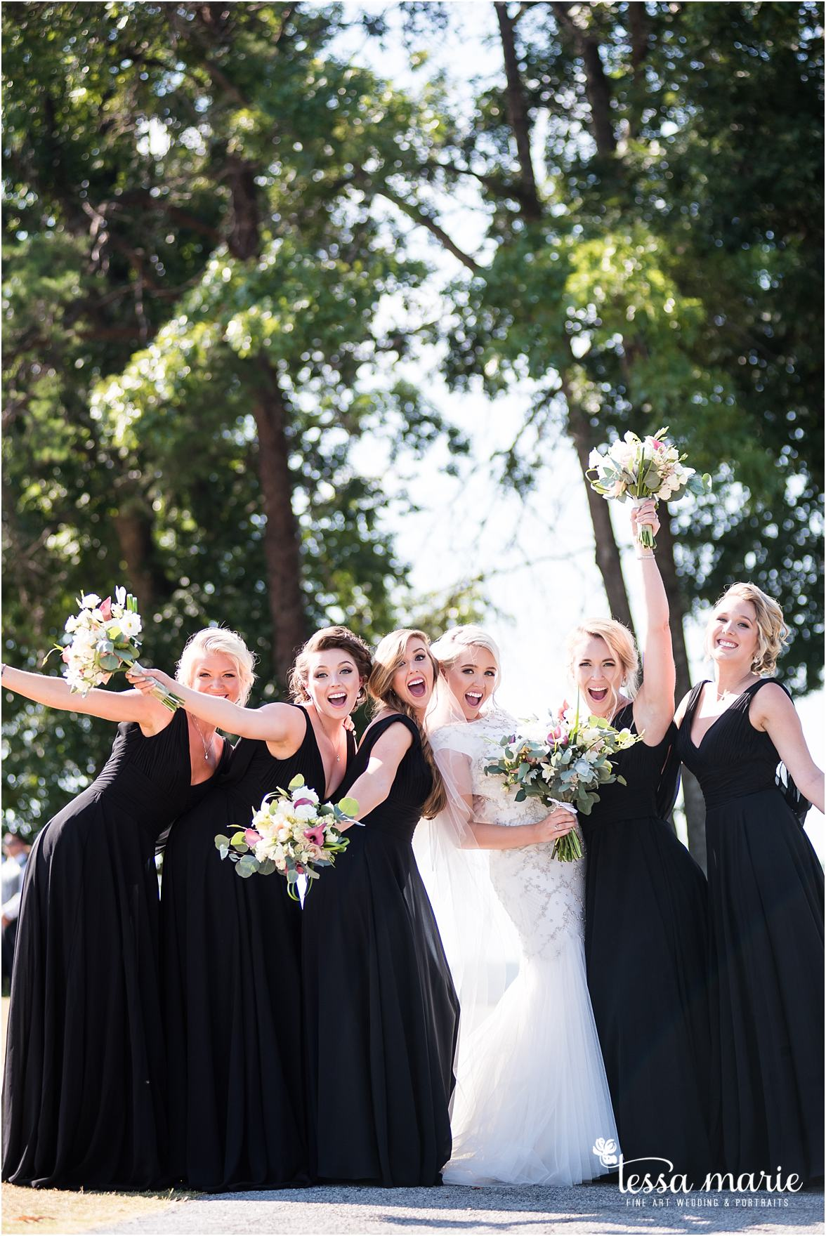 lake_lanier_wedding_summer_pictures_legacy_moments_family_candid_atlantas_best_wedding_photographer_tessa_marie_weddings_lake_lanier_bride_out_door_wedding_0215