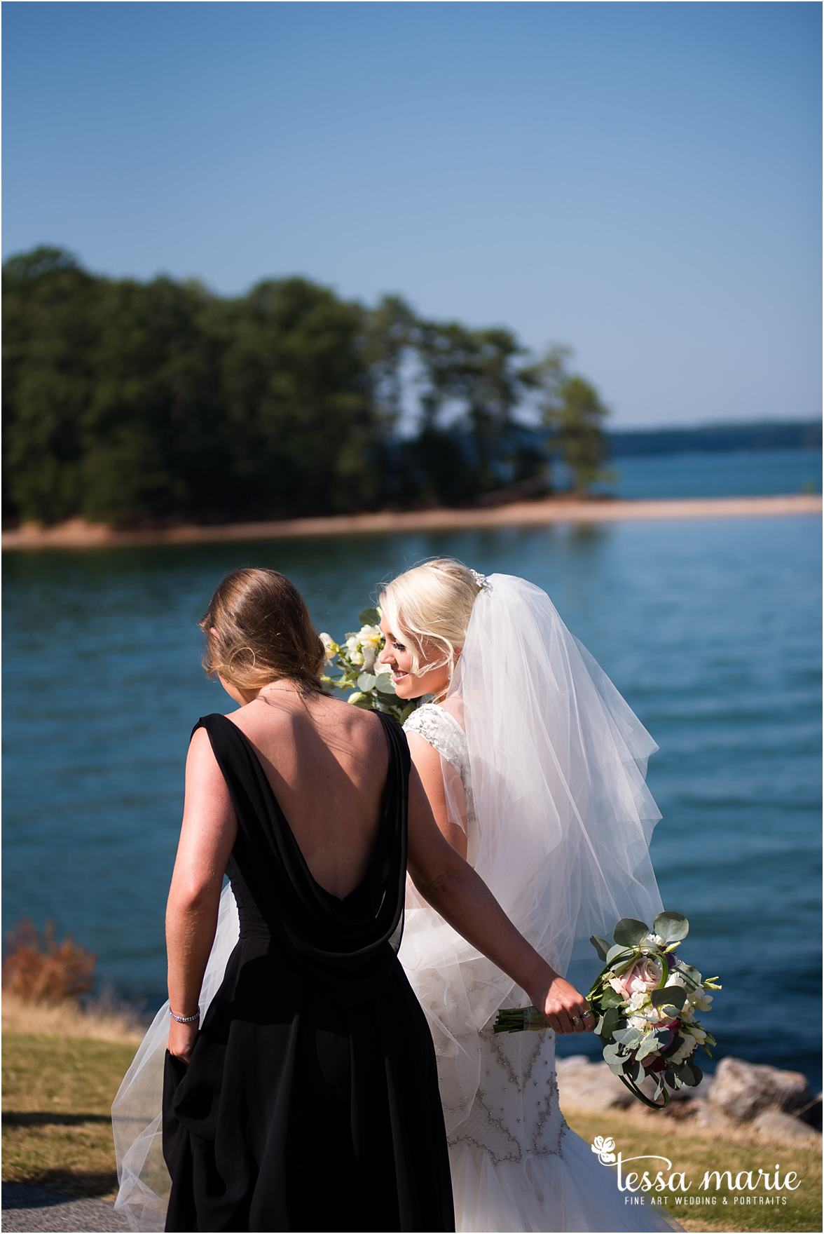 lake_lanier_wedding_summer_pictures_legacy_moments_family_candid_atlantas_best_wedding_photographer_tessa_marie_weddings_lake_lanier_bride_out_door_wedding_0218