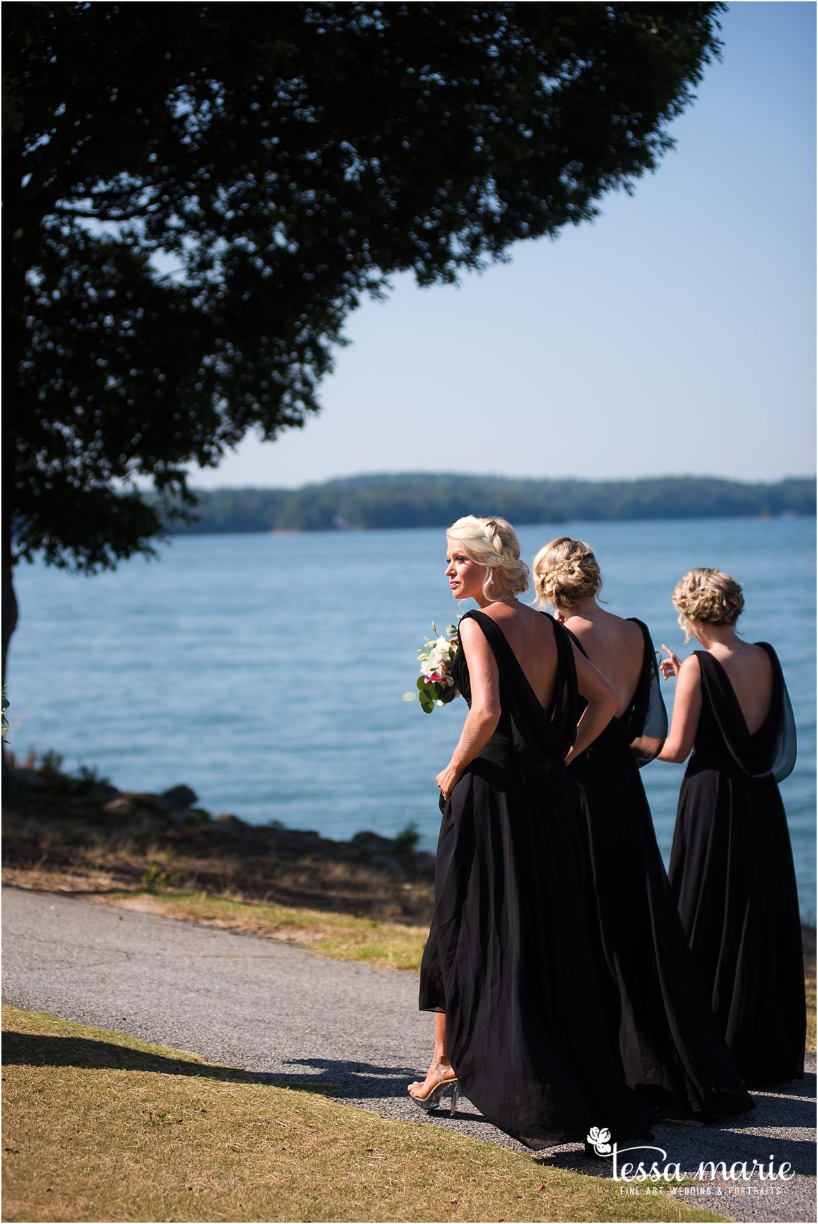 lake_lanier_wedding_summer_pictures_legacy_moments_family_candid_atlantas_best_wedding_photographer_tessa_marie_weddings_lake_lanier_bride_out_door_wedding_0219