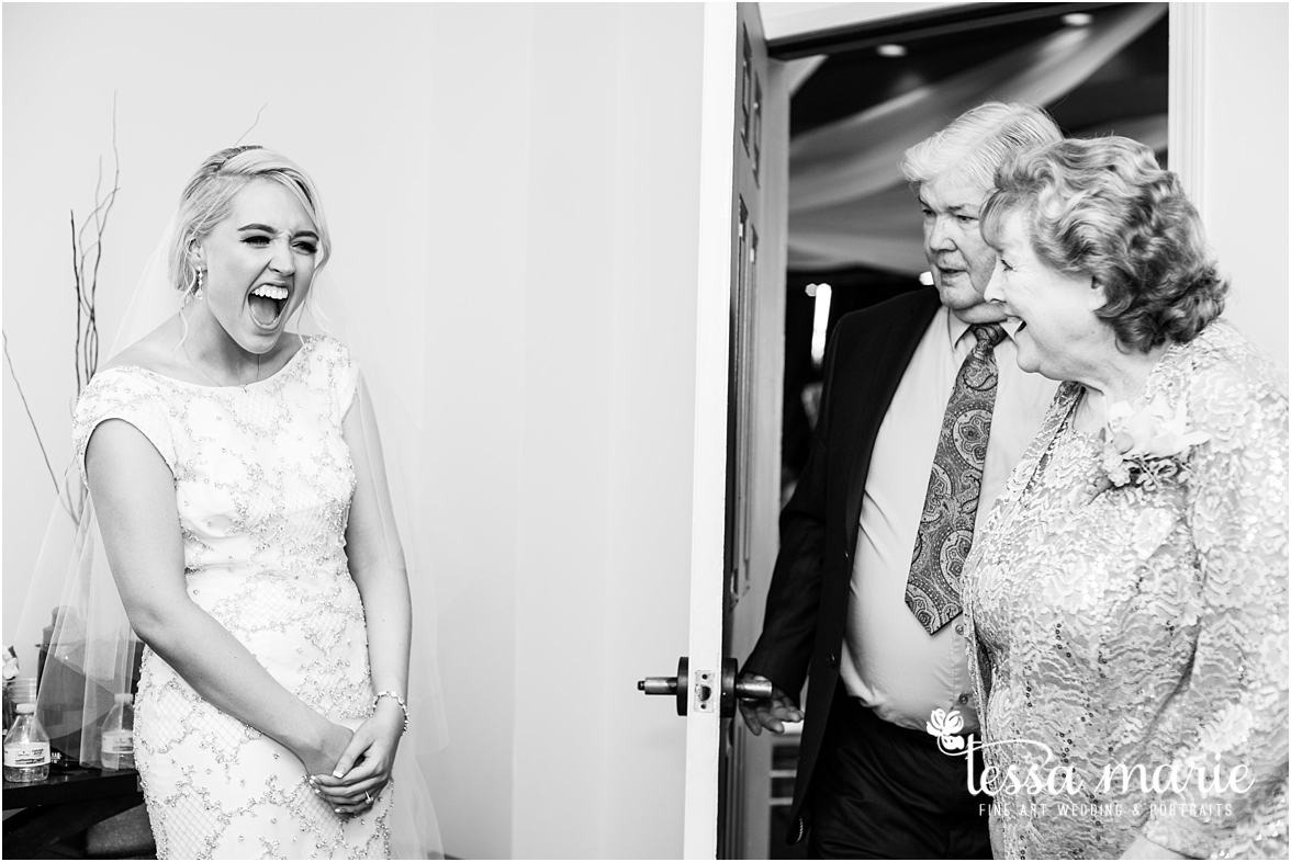 lake_lanier_wedding_summer_pictures_legacy_moments_family_candid_atlantas_best_wedding_photographer_tessa_marie_weddings_lake_lanier_bride_out_door_wedding_0240
