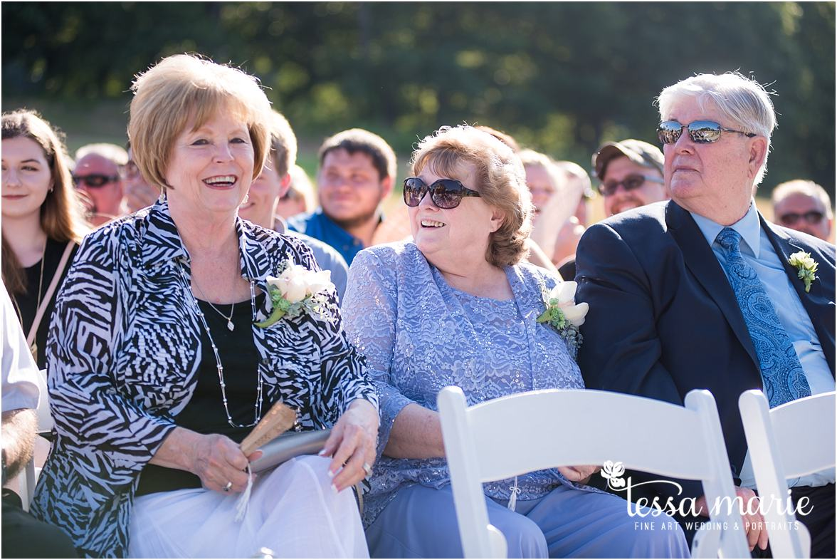 lake_lanier_wedding_summer_pictures_legacy_moments_family_candid_atlantas_best_wedding_photographer_tessa_marie_weddings_lake_lanier_bride_out_door_wedding_0253