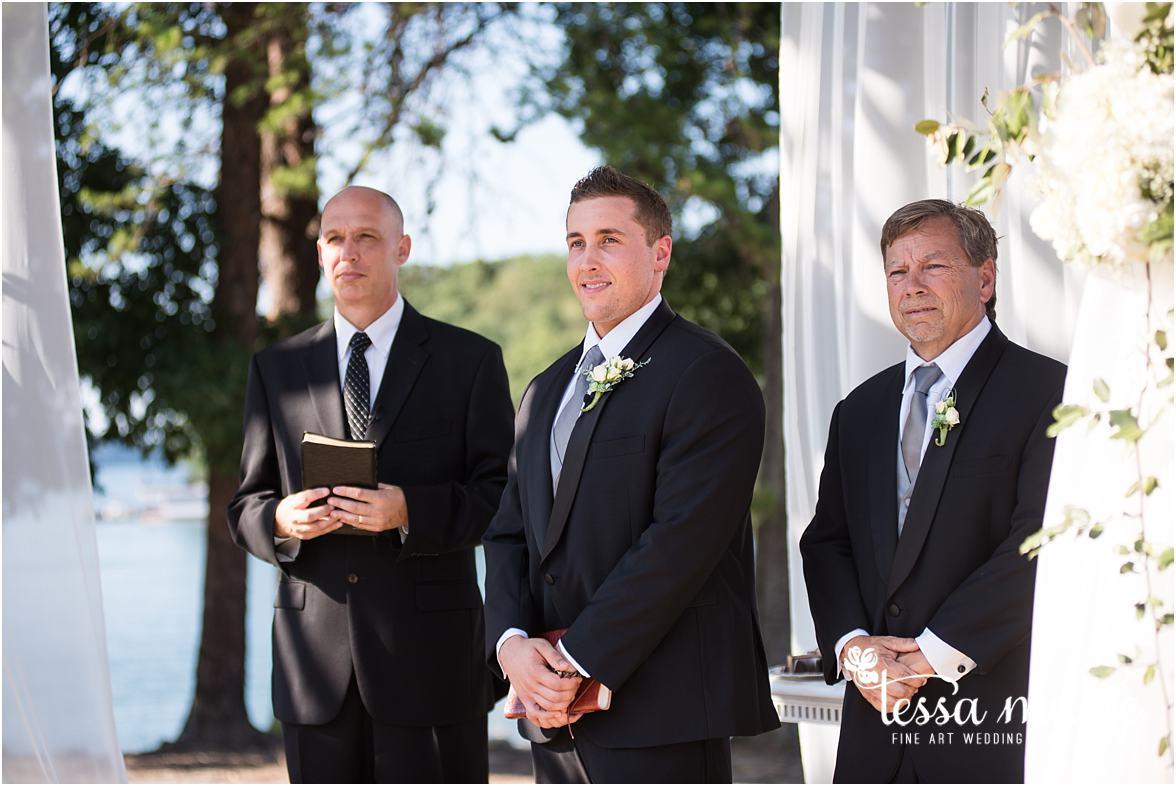 lake_lanier_wedding_summer_pictures_legacy_moments_family_candid_atlantas_best_wedding_photographer_tessa_marie_weddings_lake_lanier_bride_out_door_wedding_0268