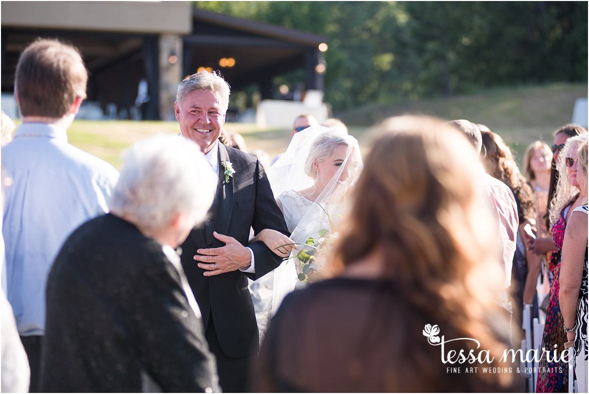 lake_lanier_wedding_summer_pictures_legacy_moments_family_candid_atlantas_best_wedding_photographer_tessa_marie_weddings_lake_lanier_bride_out_door_wedding_0270