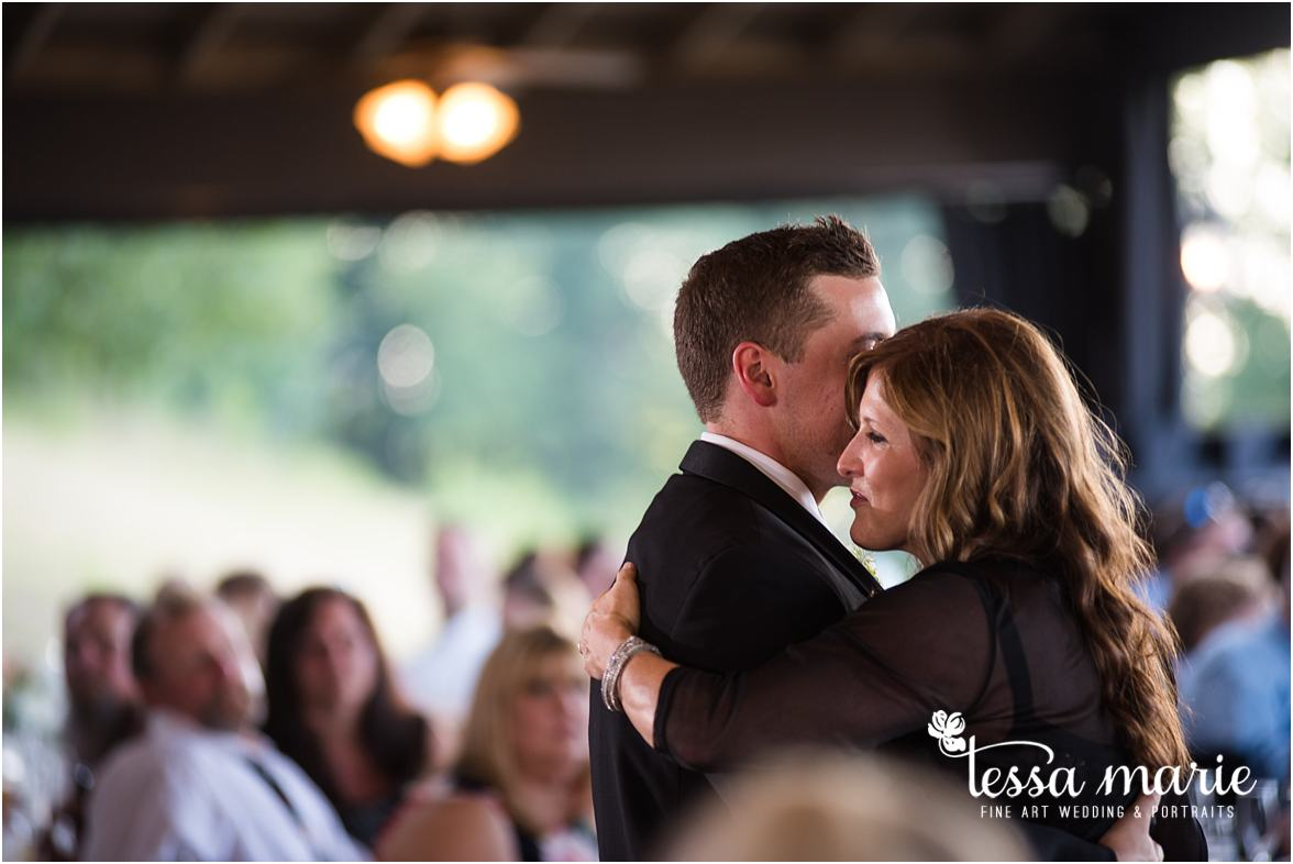 lake_lanier_wedding_summer_pictures_legacy_moments_family_candid_atlantas_best_wedding_photographer_tessa_marie_weddings_lake_lanier_bride_out_door_wedding_0329