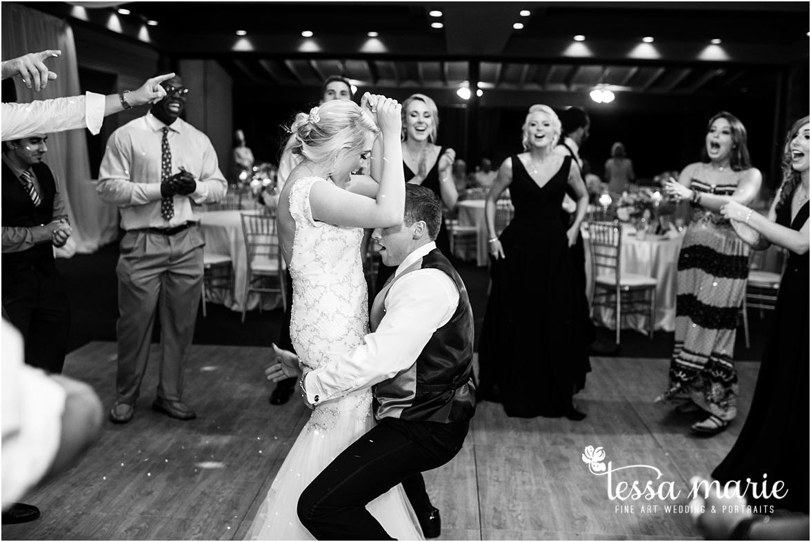 lake_lanier_wedding_summer_pictures_legacy_moments_family_candid_atlantas_best_wedding_photographer_tessa_marie_weddings_lake_lanier_bride_out_door_wedding_0369