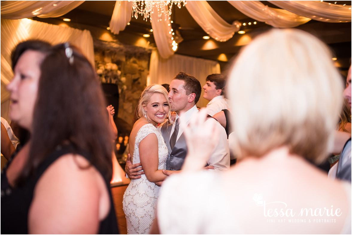 lake_lanier_wedding_summer_pictures_legacy_moments_family_candid_atlantas_best_wedding_photographer_tessa_marie_weddings_lake_lanier_bride_out_door_wedding_0375
